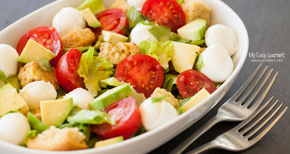 Avocado mozzarella salad