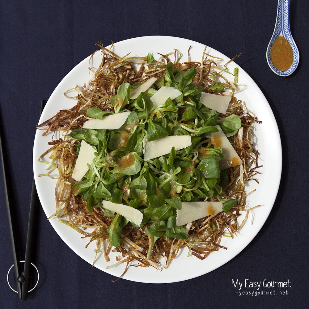 Valeriana and leek crisp salad